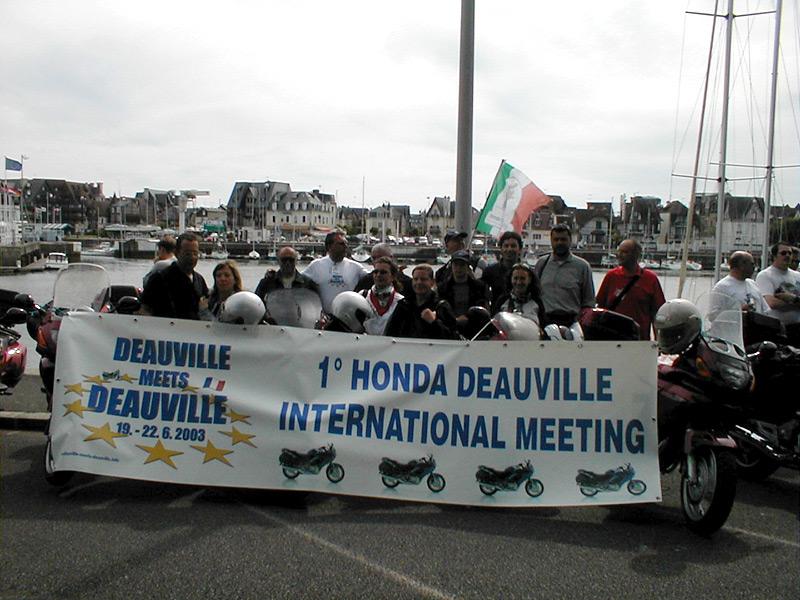 Foto di gruppo degli italiani a Deauville